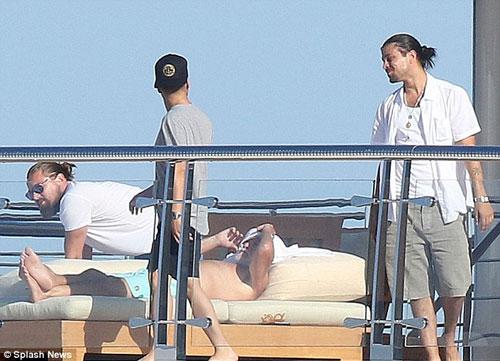"Leo DiCaprio ""phớt lờ"" LHP Cannes đi chơi du thuyền-3"