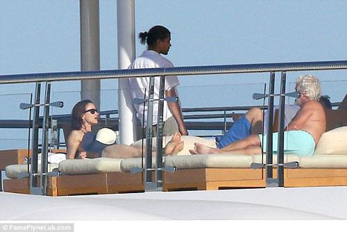 "Leo DiCaprio ""phớt lờ"" LHP Cannes đi chơi du thuyền-6"