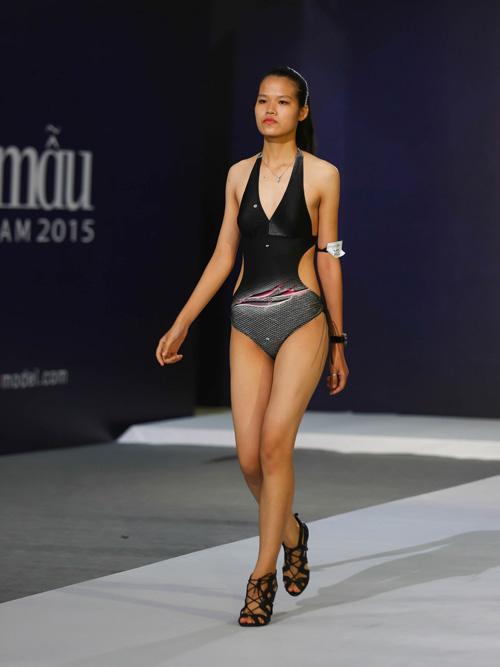 """Thanh Hằng ngượng ngùng trước thí sinh nam """"siêu vòng 1""""-9"""