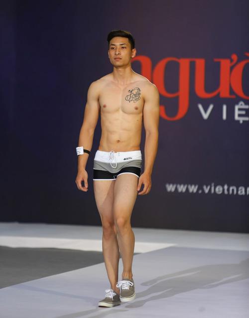 """thanh hang nguong ngung truoc thi sinh nam """"sieu vong 1"""" - 14"""