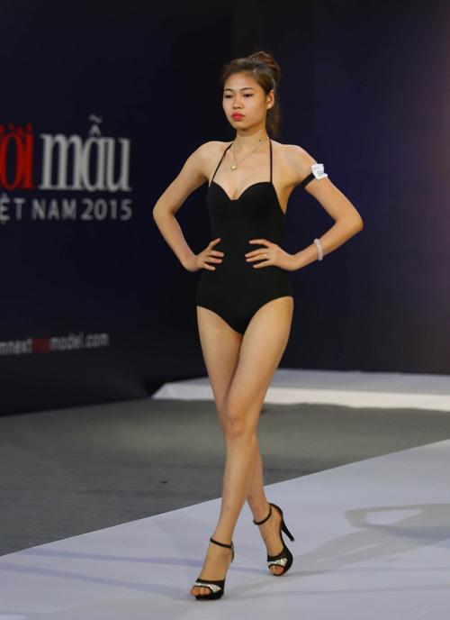 """thanh hang nguong ngung truoc thi sinh nam """"sieu vong 1"""" - 16"""