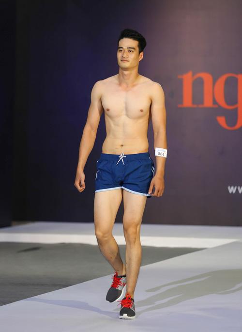 """thanh hang nguong ngung truoc thi sinh nam """"sieu vong 1"""" - 20"""