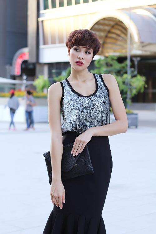 phuong mai khoe duong cong chu s mem mai - 6