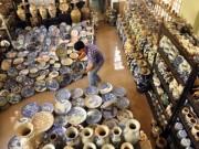 """Kinh nghiệm mua - """"Vua gốm sứ"""" ở Sài Gòn với 100.000 cổ vật"""