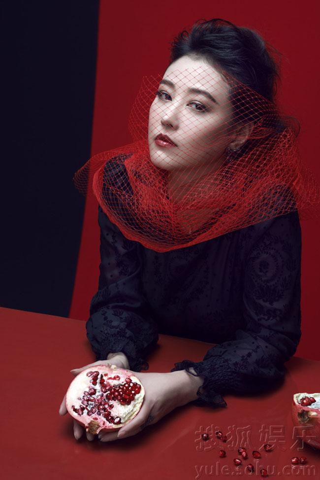 Mỹ nhân của phim Võ Mị Nương truyền kỳ bất ngờ khoe những hình ảnh mới khiến khán giả ngất ngây về nhan sắc và sự trẻ trung của cô.