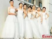 Tin quốc tế - TQ: Dàn nam sinh mặc váy cưới trong ngày tốt nghiệp
