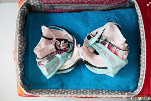 11 meo xep do sieu gon trong vali khi di du lich - 7
