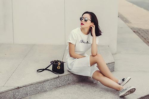 hot girl toc ngan mach nuoc mac ao phong that xinh - 4