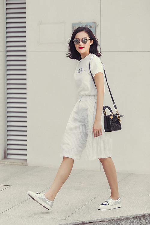 hot girl toc ngan mach nuoc mac ao phong that xinh - 5