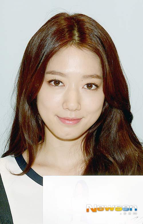 lo anh dam cuoi bi mat cua won bin - lee na young - 11