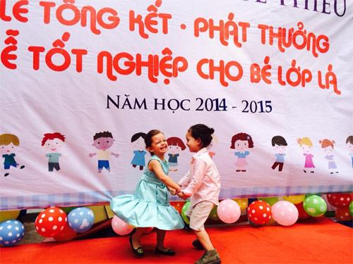 hai con hong nhung hanh phuc trong ngay tong ket nam hoc - 4