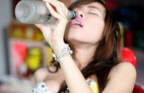 phu nu uong ruou se de tang can - 2