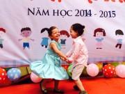 Làng sao - Hai con Hồng Nhung hạnh phúc trong ngày tổng kết năm học