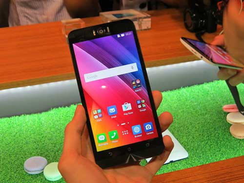 Asus ra mắt smartphone chụp tự sướng ZenFone Selfie-15