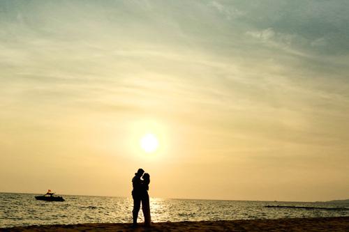 Chuyện tình của cặp đôi yêu nhau từ thuở 15-8