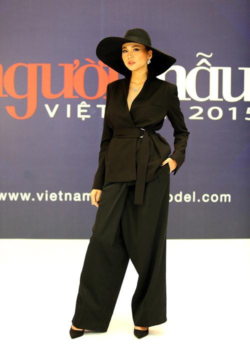 """Sao Việt và """"thú"""" mặc quần dáng độc - 2"""