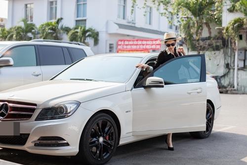 Trương Quỳnh Anh lái xe Tim tặng đi tập thể dục-1