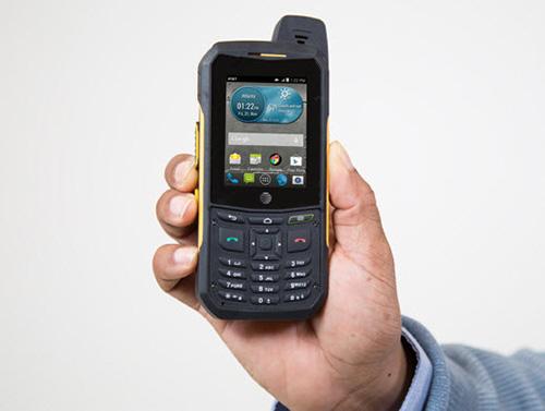"10 smartphone ""noi dong coi da"" nhat the gioi nam 2015 - 3"