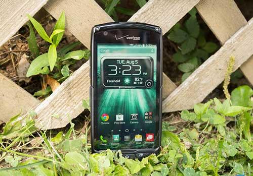 "10 smartphone ""noi dong coi da"" nhat the gioi nam 2015 - 6"