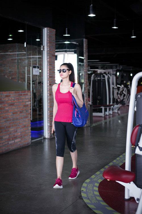 Trương Quỳnh Anh lái xe Tim tặng đi tập thể dục-6