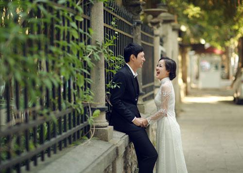 Ảnh cưới giữa phố phường của cặp đôi yêu nhau 10 năm-11