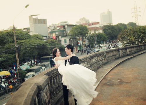 Ảnh cưới giữa phố phường của cặp đôi yêu nhau 10 năm-3