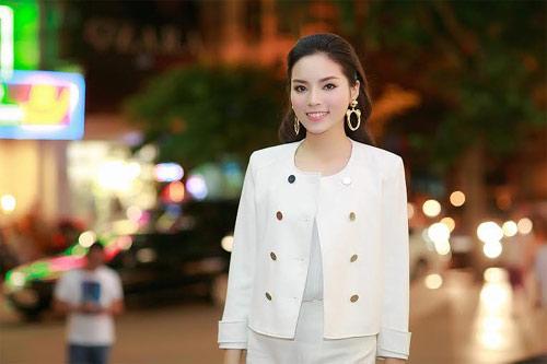 Hoa hậu Kỳ Duyên sang trọng đi dự sự kiện-1