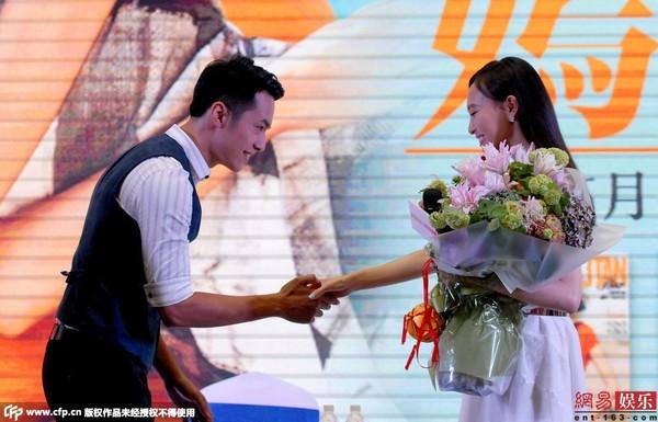 Vợ chồng Lý Minh Thuận - Phạm Văn Phương quấn quýt-11