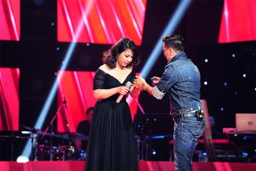 "the voice: co gai ""vua an keo vua hat"" ve doi mr. dam - 2"