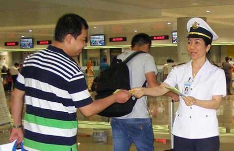 """Sân bay Tân Sơn Nhất """"tiếp đón"""" bệnh nhân MERS thế nào? - 1"""