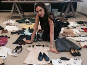 Thời trang Sao - Vic bán váy áo của con gái để làm từ thiện