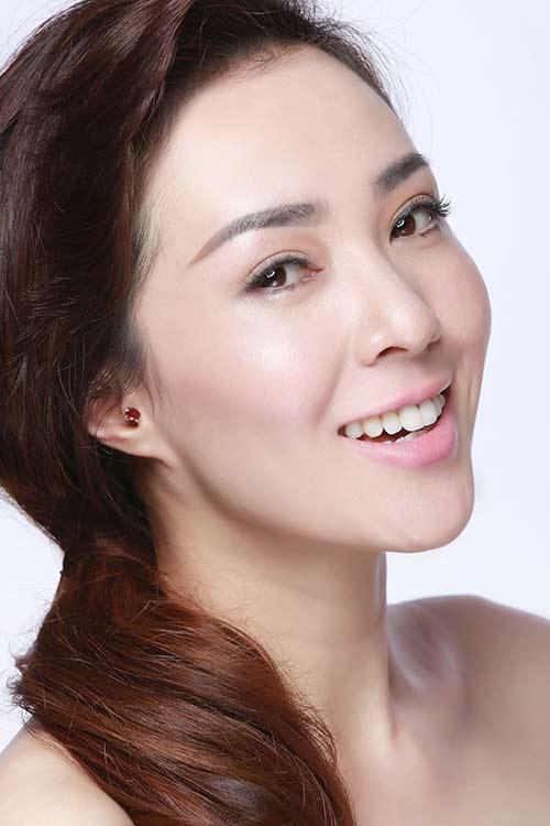 """hoa hau nguyen khanh re huong ca hat vi """"me"""" my tam - 1"""