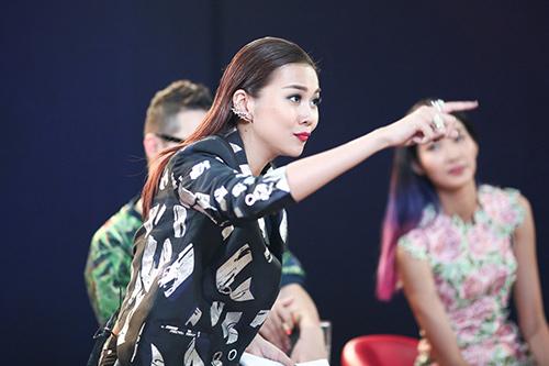 """vntm 2015: nhung bieu cam """"kho do"""" cua giam khao thanh hang - 17"""