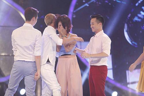 vietnam idol: ha nhi duoc bgk cuu vao phut chot - 11