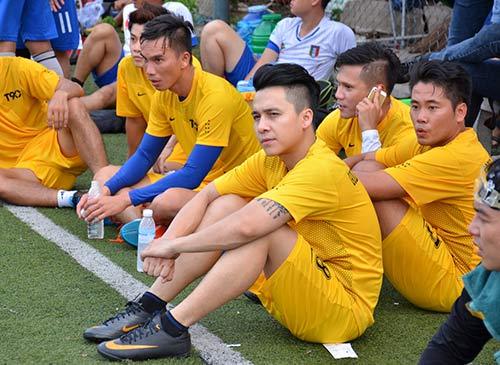 ninh duong lan ngoc den co vu the men da bong - 4