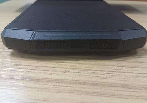 trung quoc sap ra smartphone pin 10.000 mah - 1