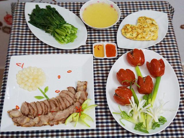 chua day 80.000 dong cho bua com 4 mon hap dan - 1