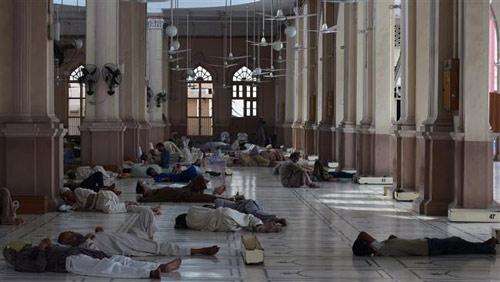 pakistan: nang nong nhu thieu nhu dot, 572 nguoi chet - 2