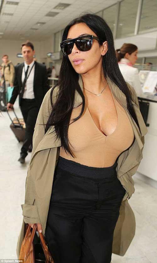 kim kardashian lo bung bau tai san bay - 2