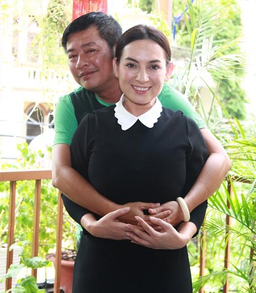 phi nhung lại nhạn nuoi them 2 ca sĩ nhí nghèo - 4