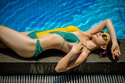 lan phuong khoe duong cong voi bikini o tuoi 32 - 9
