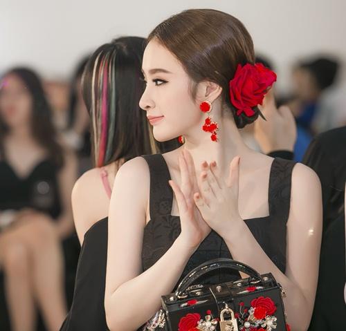 boc mac bo canh hang hieu gay 'sot' cua angela phuong trinh - 2