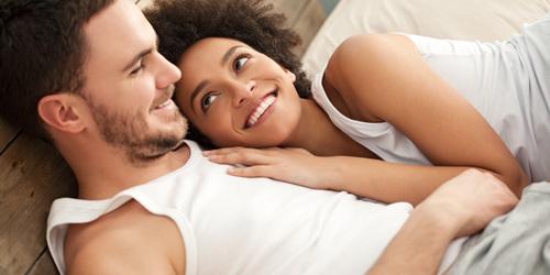 Tiết lộ tư thế ngủ của người chồng yêu vợ-3