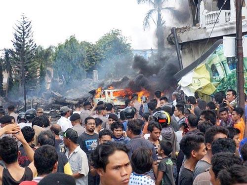 may bay indonesia roi, 38 nguoi thiet mang - 1