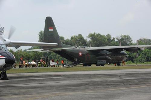 may bay indonesia roi, 38 nguoi thiet mang - 3