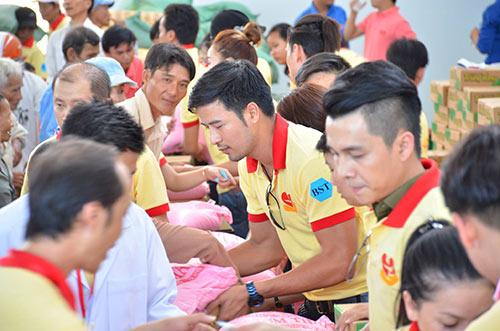 the men, lan ngoc het minh voi nguoi dan ngheo - 3