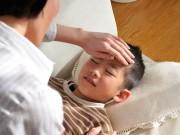 Câu hỏi thường gặp - Viện Hàn lâm Nhi khoa Mỹ: Nên hạ sốt cho bé bằng nước
