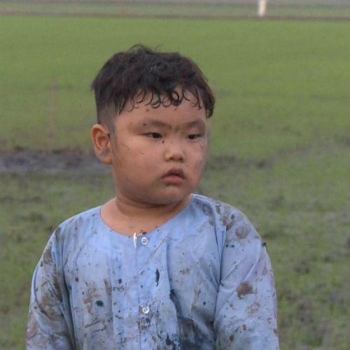 4 hot boy nhí con sao Việt để tóc xoăn yêu không cưỡng nổi-2