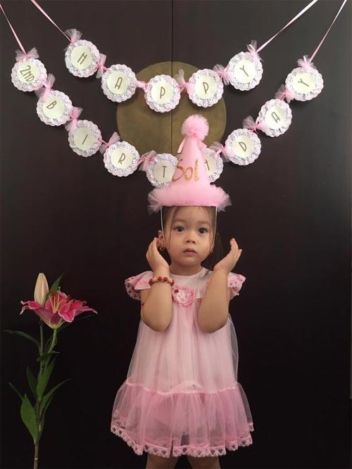 Con gái Đoan Trang xinh xắn đón sinh nhật 2 tuổi-3