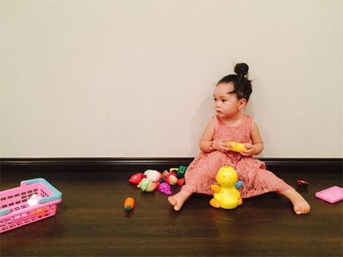 Con gái Đoan Trang xinh xắn đón sinh nhật 2 tuổi-4